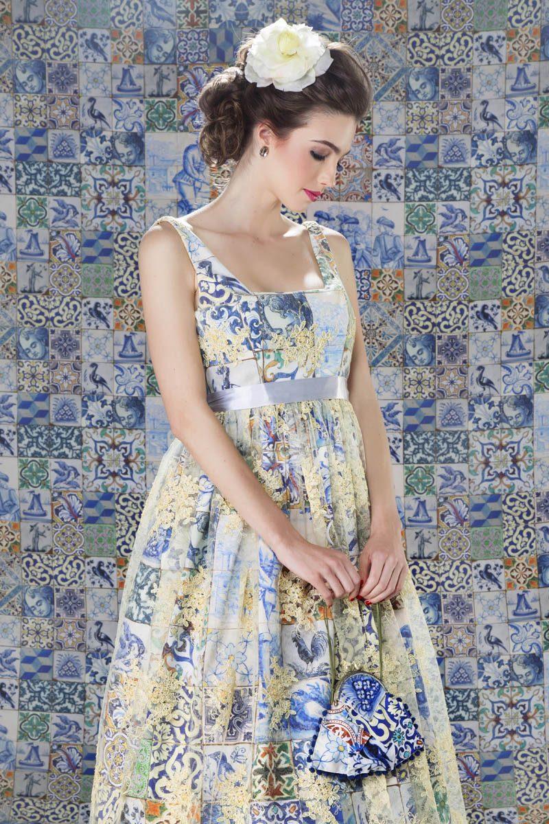 Bolsinha Azulejos e Flor de seda
